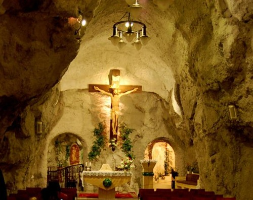 La cueva de la iglesia Hungría