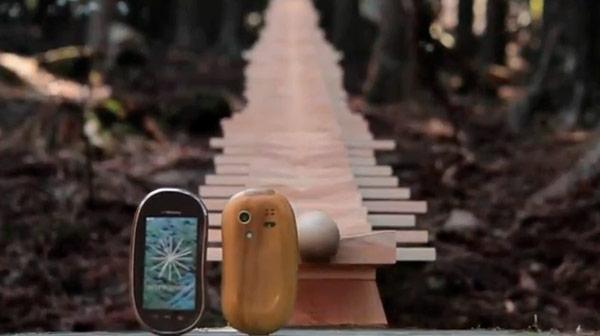 Touch Wood, Novedosa publicidad en Japón de teléfonos táctiles de madera SH-08C