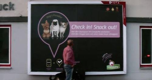 Publicidad en carteles comida mascotas