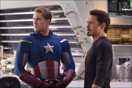 Captain America y Tony Stark en The Avengers