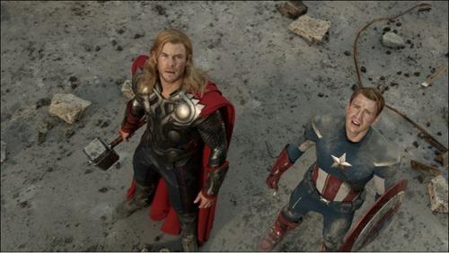 El Capitán América y Thor  en Los Vengadores