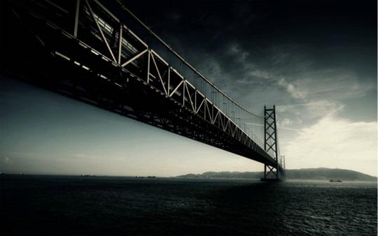 31-10-2012 Dark-Bridge