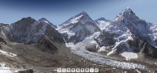20-12-2012 foto gigante monte everest