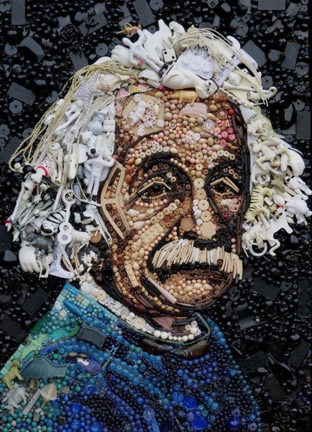 El retrato de Albert Einstein hecho con objetos reciclados